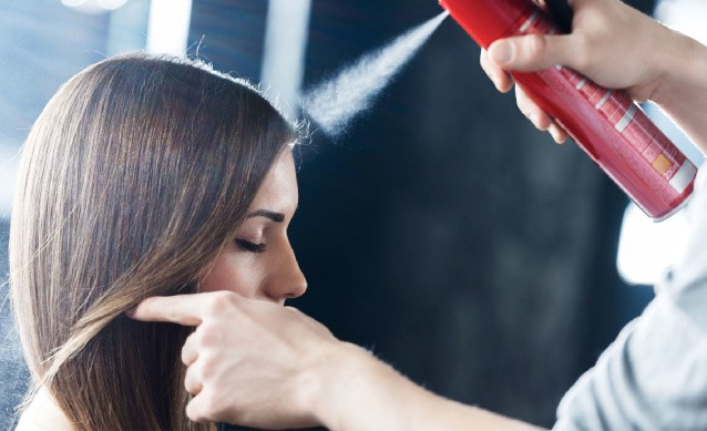 Как смыть лак с волос в домашних условиях