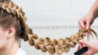 Коса на бок - как заплести на длинные и средние волосы (фото, видео)