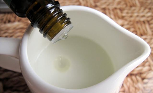 Добавление масла в шампунь