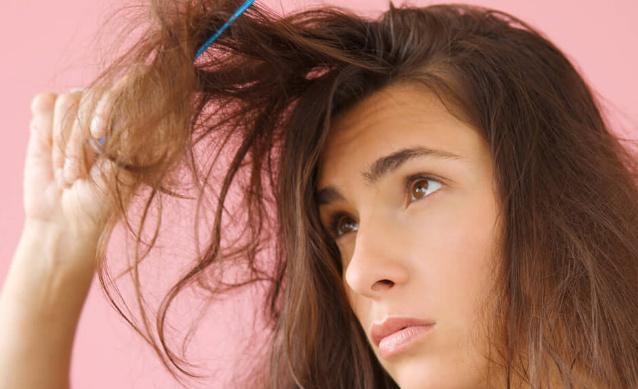 Вычесывание лака для волос